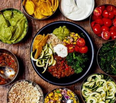 6 λόγοι που αξίζει να τρώμε λιγότερο κρέας: Από την εξοικονόμηση χρημάτων μέχρι την καλύτερη υγεία