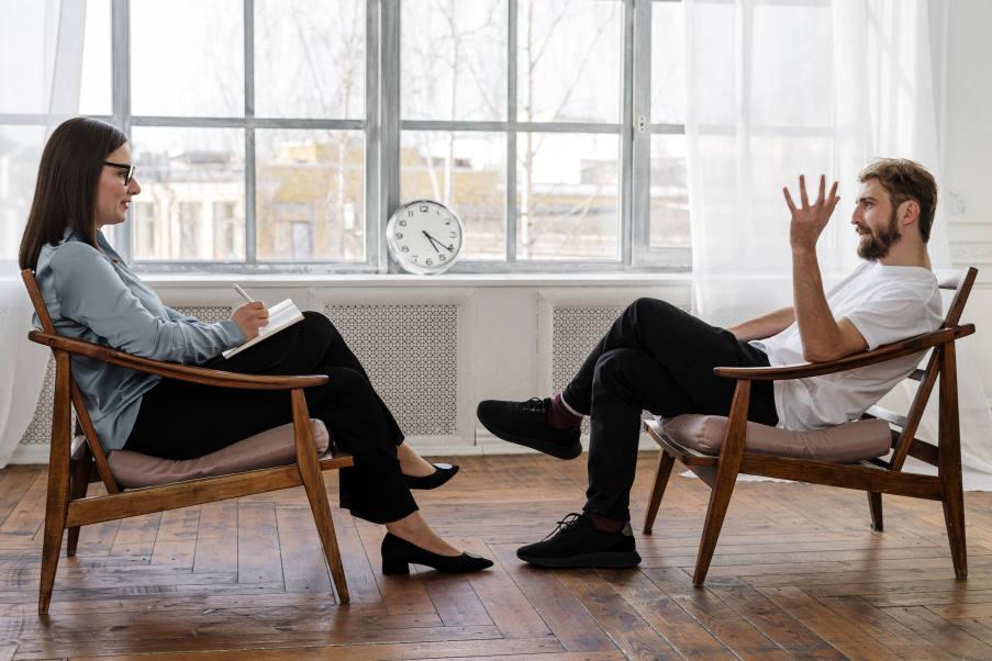 Ψυχοθεραπεία: Δεν υπάρχει λίγο ή πολύ... όλοι οι λόγοι είναι σοβαροί αν νιώθουμε πως χρειαζόμαστε βοήθεια