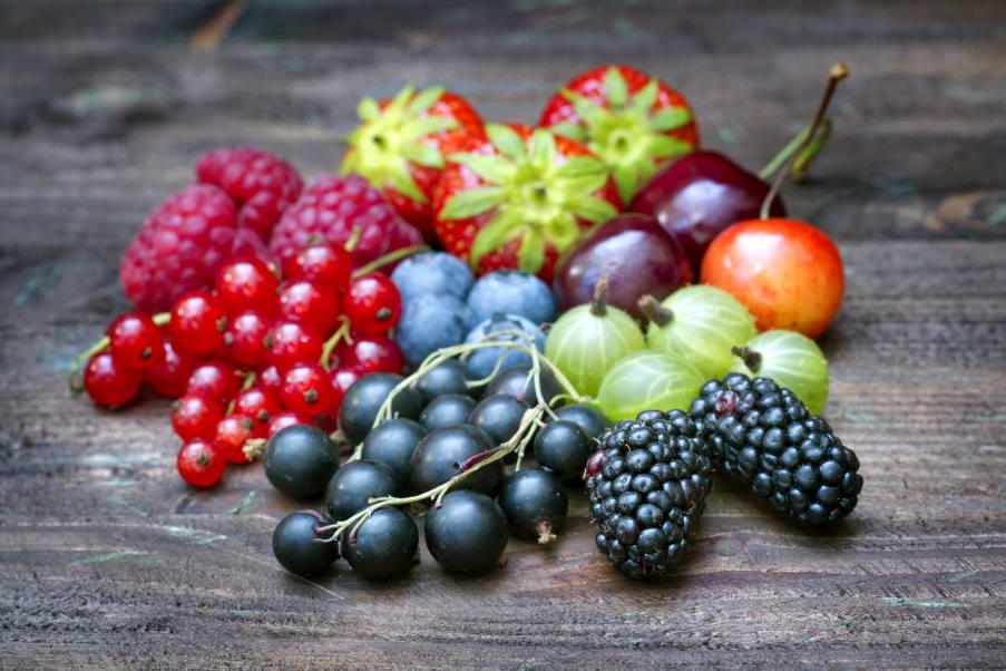 6 ιδανικοί συνδυασμοί φρούτων για να ξεκινήσετε τη μέρα σας