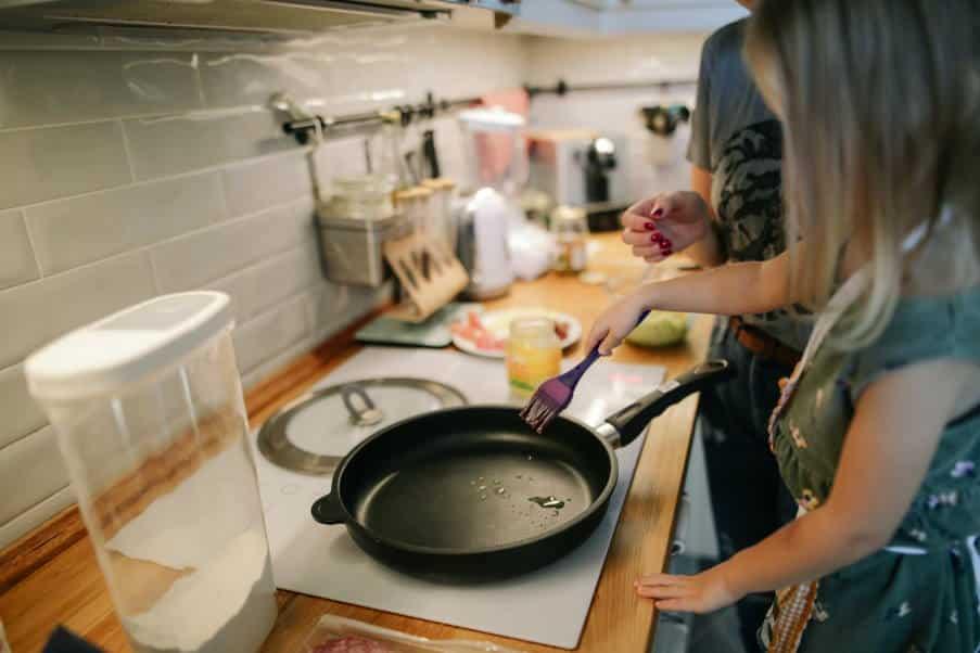 Μπορεί τα μαγειρικά σκεύη να είναι τοξικά; Πώς μπορούμε να επιλέξουμε με ασφάλεια