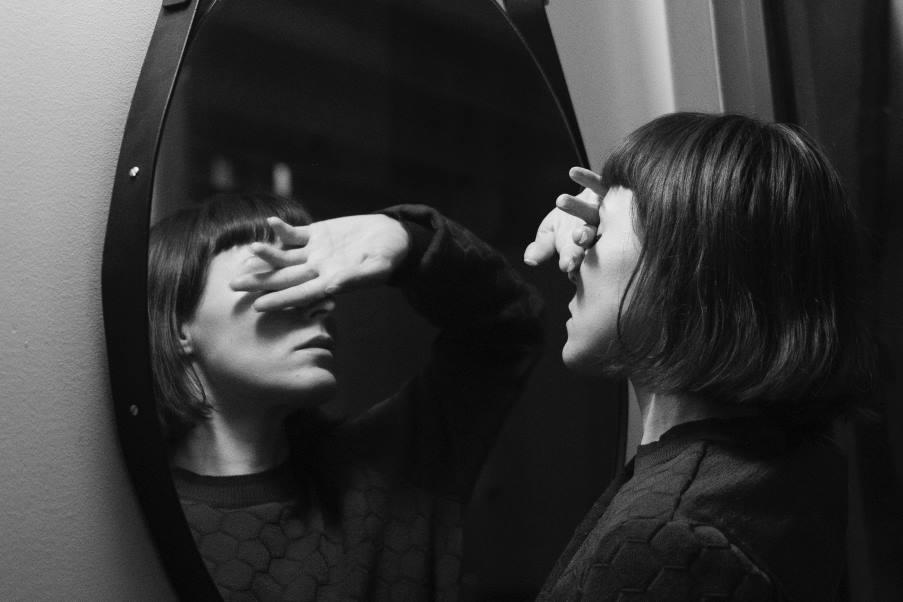 «Μισώ το σώμα μου»: Τι μπορούμε να κάνουμε αν νιώθουμε δυσφορία για το πώς φαινόμαστε