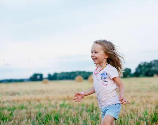 Έρευνα: Τα παιδιά που μεγαλώνουν κοντά στη φύση αναπτύσσουν καλύτερη ψυχική υγεία