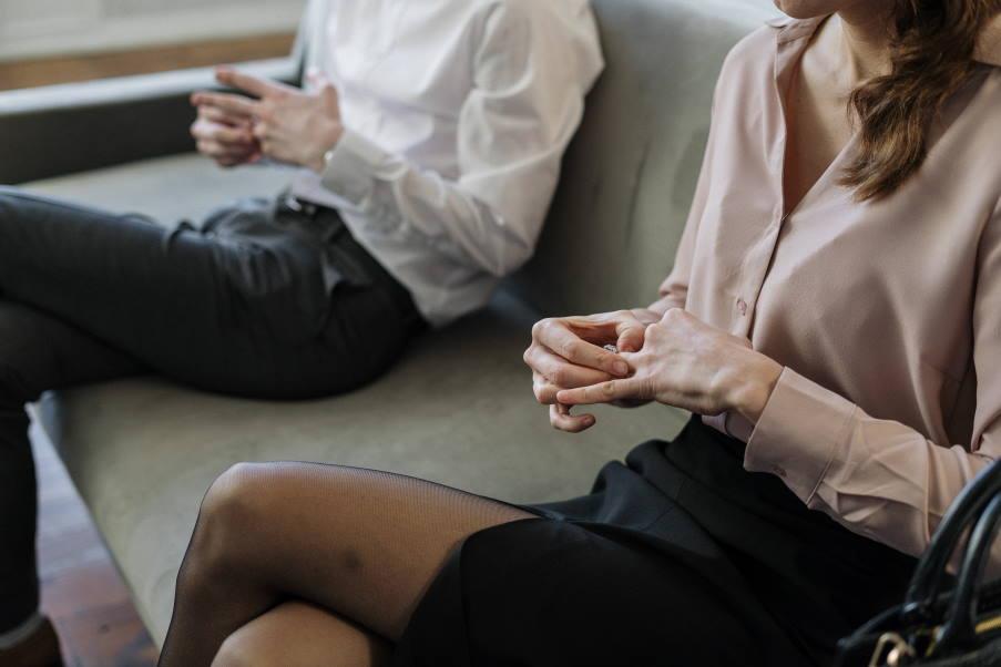 Γκρίζα διαζύγια: Όταν τα ενήλικα παιδιά έρχονται αντιμέτωπα με το χωρισμό των γονιών τους