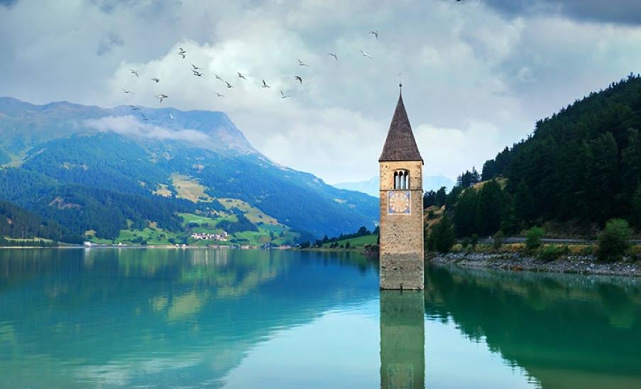 Ιταλία: Βυθισμένη μεσαιωνική πόλη αναδύεται από τη λίμνη για πρώτη φορά μετά από 70 χρόνια