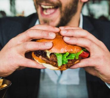 Η συχνή αίσθηση πείνας συσχετίζεται με έντονες μειώσεις στα επίπεδα του σακχάρου, σύμφωνα με έρευνα