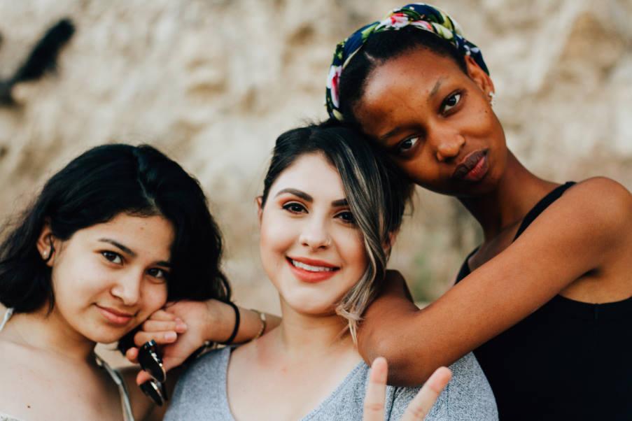 Τι σημαίνει όταν παίρνουμε το ρόλο της «μητέρας» σε μια παρέα φίλων