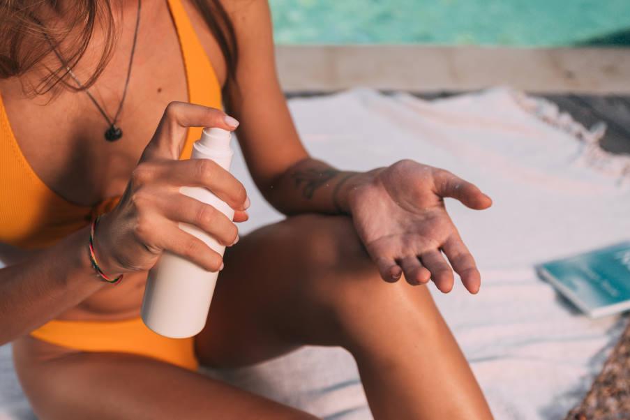 6 σημεία του σώματος που παραλείπουμε να προστατεύσουμε με αντηλιακό