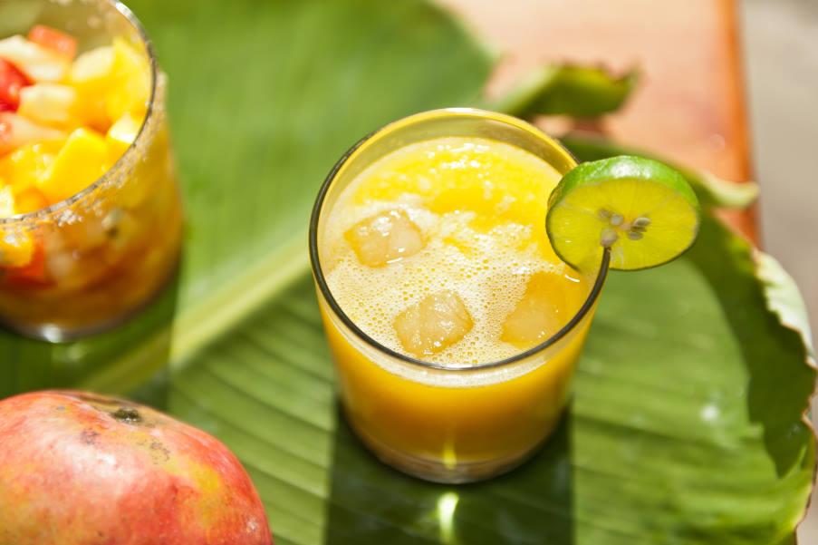 Συνταγή: Δροσιστικό σπιτικό smoothie που αντιμετωπίζει τη δυσκοιλιότητα