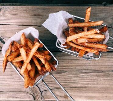 Έρευνα συνδέει τα υπερ-επεξεργασμένα τρόφιμα με την ιδιοπαθή φλεγμονώδη εντερική νόσο