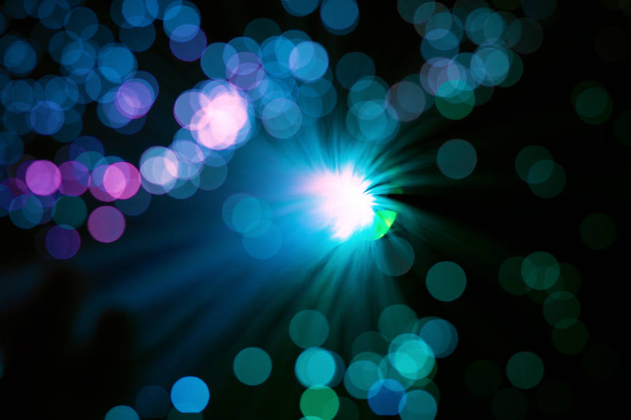 Νέα θεωρία υποστηρίζει ότι η πραγματικότητα μπορεί να αποτελεί ένα παιχνίδι κβαντικών «καθρεφτών»