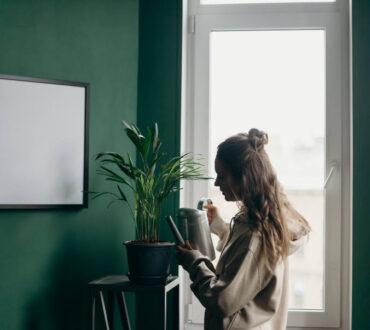 Πώς να διακρίνουμε αν χρειαζόμαστε ή όχι να μείνουμε μόνοι μας