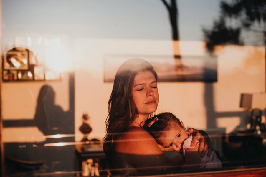 Έρευνα: Τα παιδιά αρχίζουν να βιώνουν τις επιδράσεις της ατμοσφαιρικής ρύπανσης από τη μήτρα
