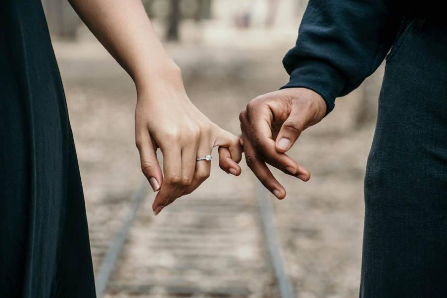 13 συμπεριφορές που μαρτυρούν ότι μπορεί να είμαστε χειριστικοί στις σχέσεις μας
