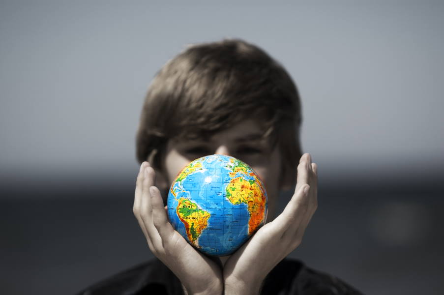 Judith Lewis Herman: «Είναι ηθικά αδύνατο να παραμείνεις ουδέτερος»