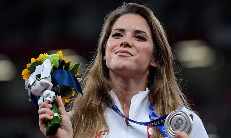 Maria Andrejczyk: Η ολυμπιονίκης που δημοπράτησε το μετάλλιό της για να πληρώσει την επέμβαση καρδιάς ενός αγοριού