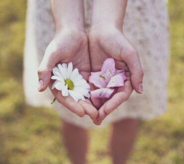 Ποιες είναι οι 5 βασικές μας συναισθηματικές ανάγκες και πώς να τις «ξανασυναντήσουμε»
