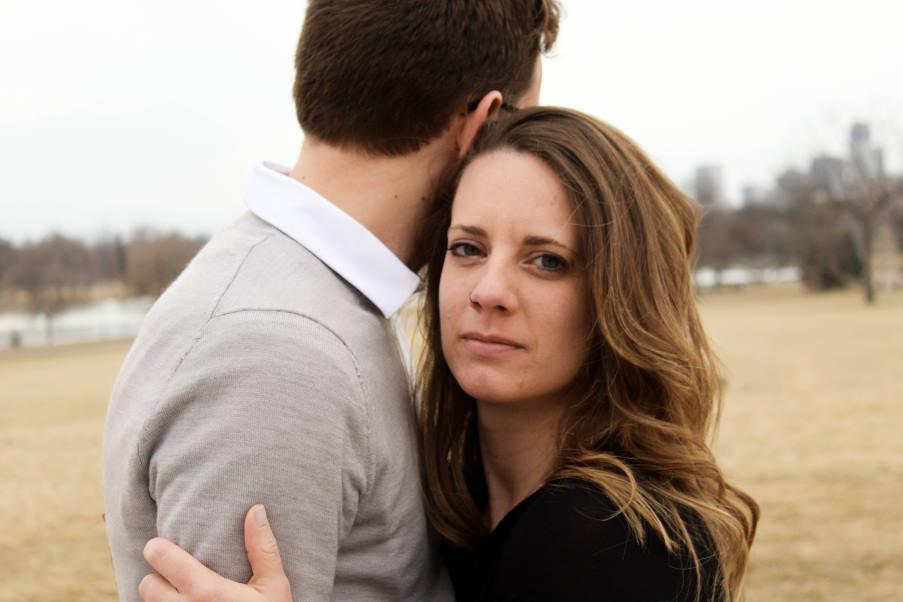 Πώς να εντοπίσουμε τον ελεγκτικό/ κυριαρχικό σύντροφο σε μια σχέση – 11 σημάδια