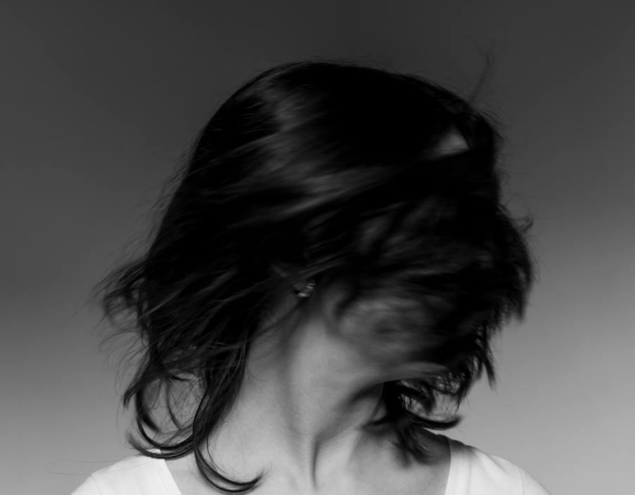 Πώς συνδέεται το άγχος με την εμφάνιση ιλίγγου; Τι συστήνουν οι ειδικοί