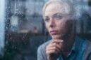 """Η """"Σελήνη του Χρόνιου Άγχους"""": Πώς να αναγνωρίσετε και να διαχειριστείτε το χρόνιο άγχος"""