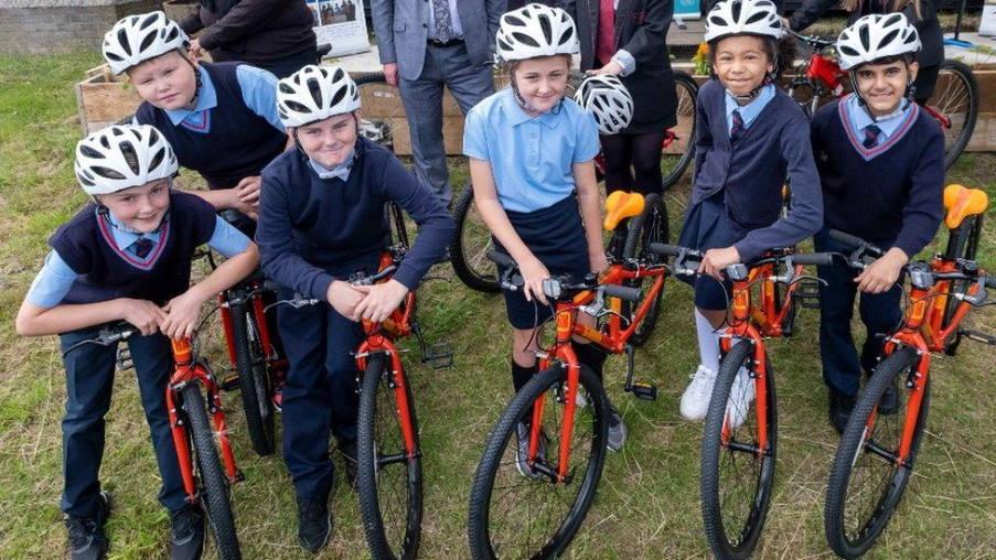 Σκωτία: Η κυβέρνηση εγκαινιάζει πρόγραμμα δωρεάν ποδηλάτων για μη προνομιούχα παιδιά