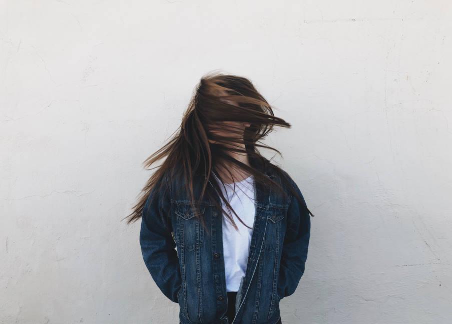 «Δευτερογενής ναρκισσισμός»: Τι είναι και πώς προστατεύει το Εγώ