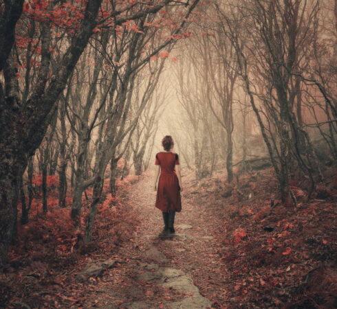 Υπάρχουν κάποια «σκοτάδια» απ' τα οποία δεν είναι εύκολο να βγει ο άνθρωπος μόνος...