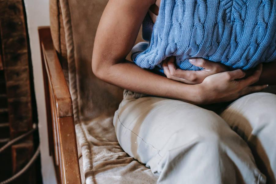 1 στους 10 αντιμετωπίζει συχνά κοιλιακό πόνο μετά την κατανάλωση γευμάτων