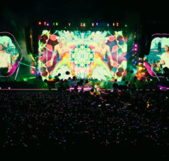 Coldplay: Ο χορός των φανς θα τροφοδοτεί τις συναυλίες τους με ηλεκτρικό ρεύμα