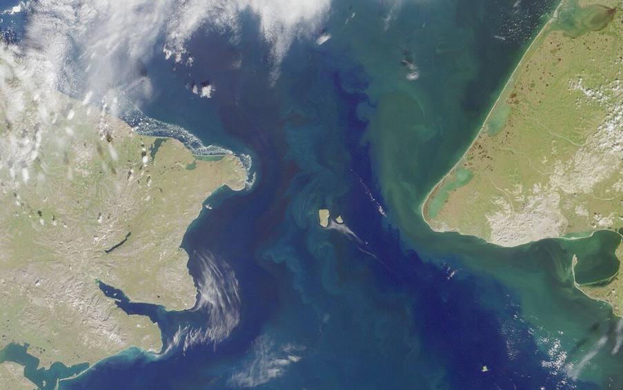 Διομήδειοι Νήσοι: Απέχουν μόλις 5 χιλιόμετρα μεταξύ τους αλλά έχουν διαφορά 21 ωρών