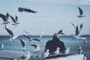 «Δεν γεννηθήκαμε να σερνόμαστε. Έχουμε φτερά και το μόνο που μένει για να πετάξουμε είναι να μάθουμε να τα χρησιμοποιούμε» | Rumi