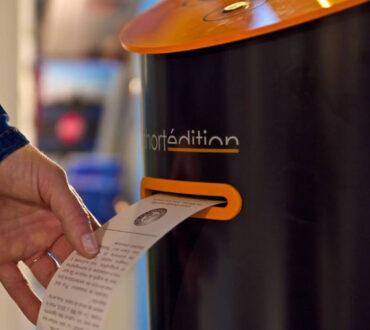 Νέα Υόρκη: Αυτόματο μηχάνημα που προσφέρει σύντομα διηγήματα δωρεάν τοποθετήθηκε σε γειτονιά