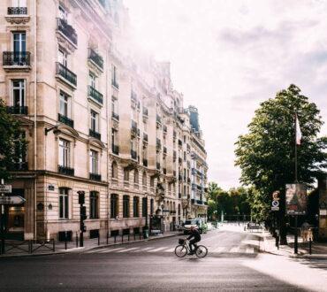 Το Παρίσι επενδύει 250 εκατομμύρια ευρώ για να γίνει 100% «ποδηλατική πόλη»