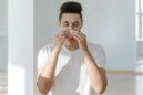 Ποια είναι η σύνδεση ανάμεσα στην ψυχική υγεία και τις αλλεργίες